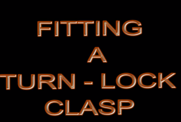 Fitting a Turn-lock Clasp